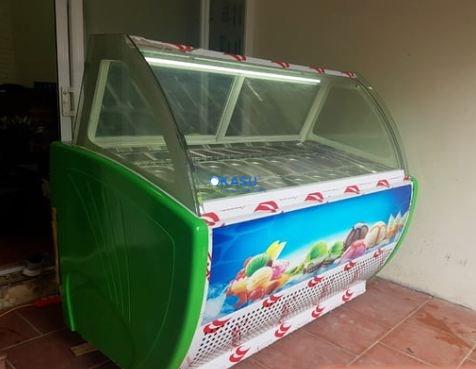 Tủ trưng bày kem tươi 16 khay